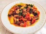 Овощное рагу с красной фасолью.