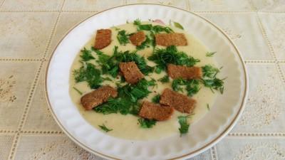 Суп-пюре с грибами и плавленым сливочным сыром.