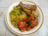 Курица с рисом в духовке и овощами.